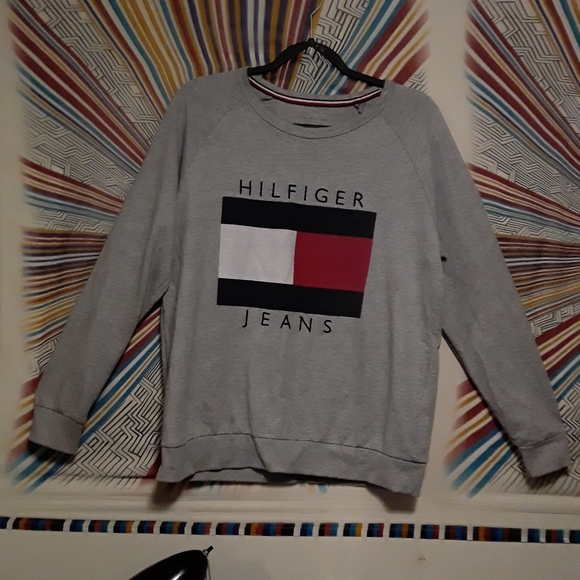 Vintage Tommy Hilfiger Unisex Large Classic Tommy Hilfiger Style Sweater